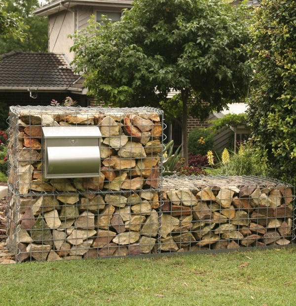 How to build a gabion wall gardendrum - How to build a garden retaining wall ...